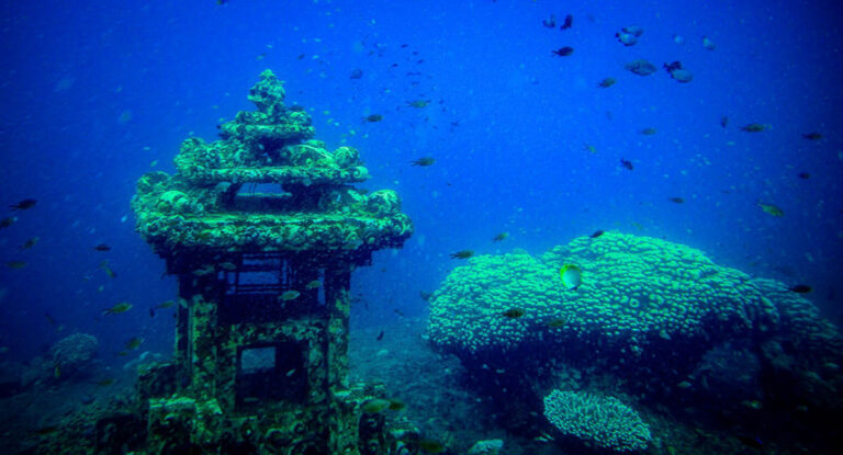 Underwater temple, a puzzle with many mysteries within the ocean